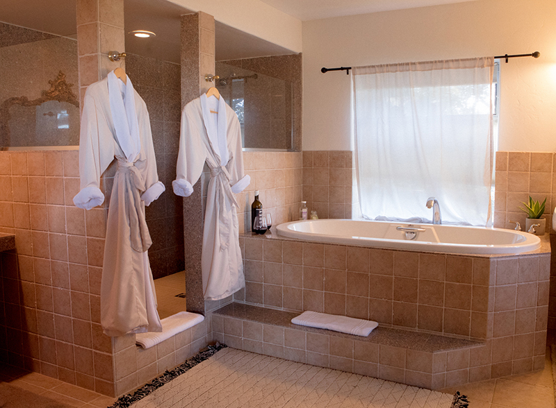 adelaida bathroom