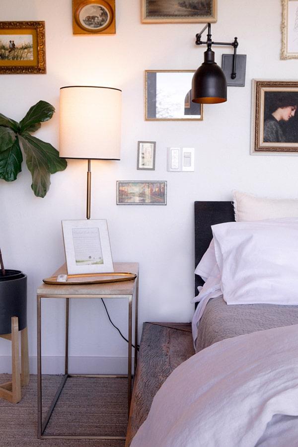 the oaks, side bedroom
